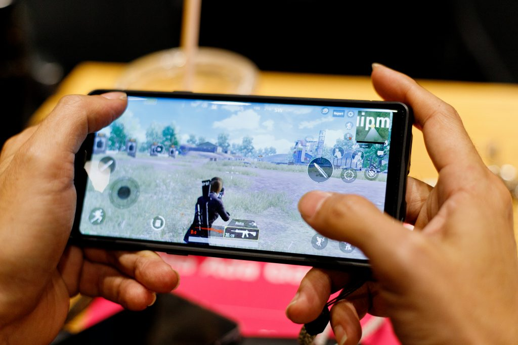 On screen controls for Mobile Games like Fortnite